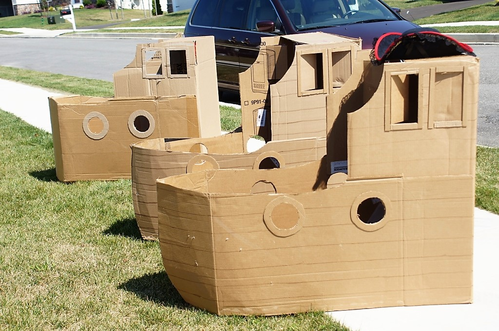 Cardboard Pirate Ships for the treasure hunt
