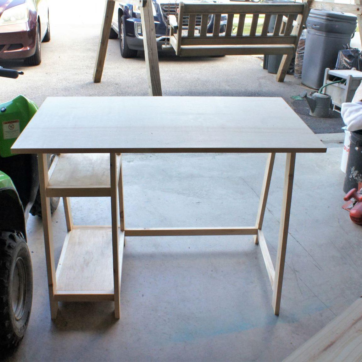 A frame desk plan